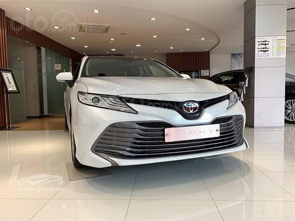 Toyota Mỹ Đình giao ngay Camry 2019 nhập Thái đủ màu giao ngay 03381.888.22, hỗ trợ trả góp lãi suất tốt-0