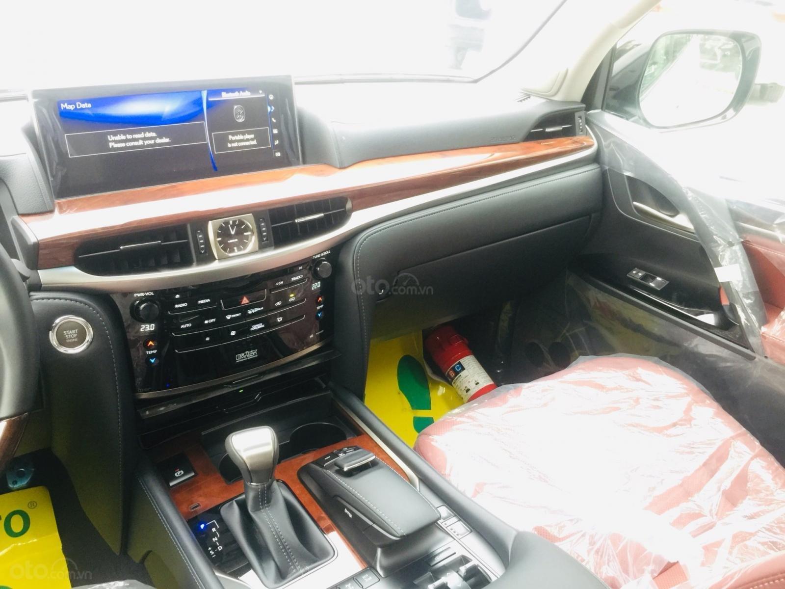 Bán xe Lexus LX 570s Super Sports SX 2019, màu trắng, nhập khẩu Trung Đông (12)