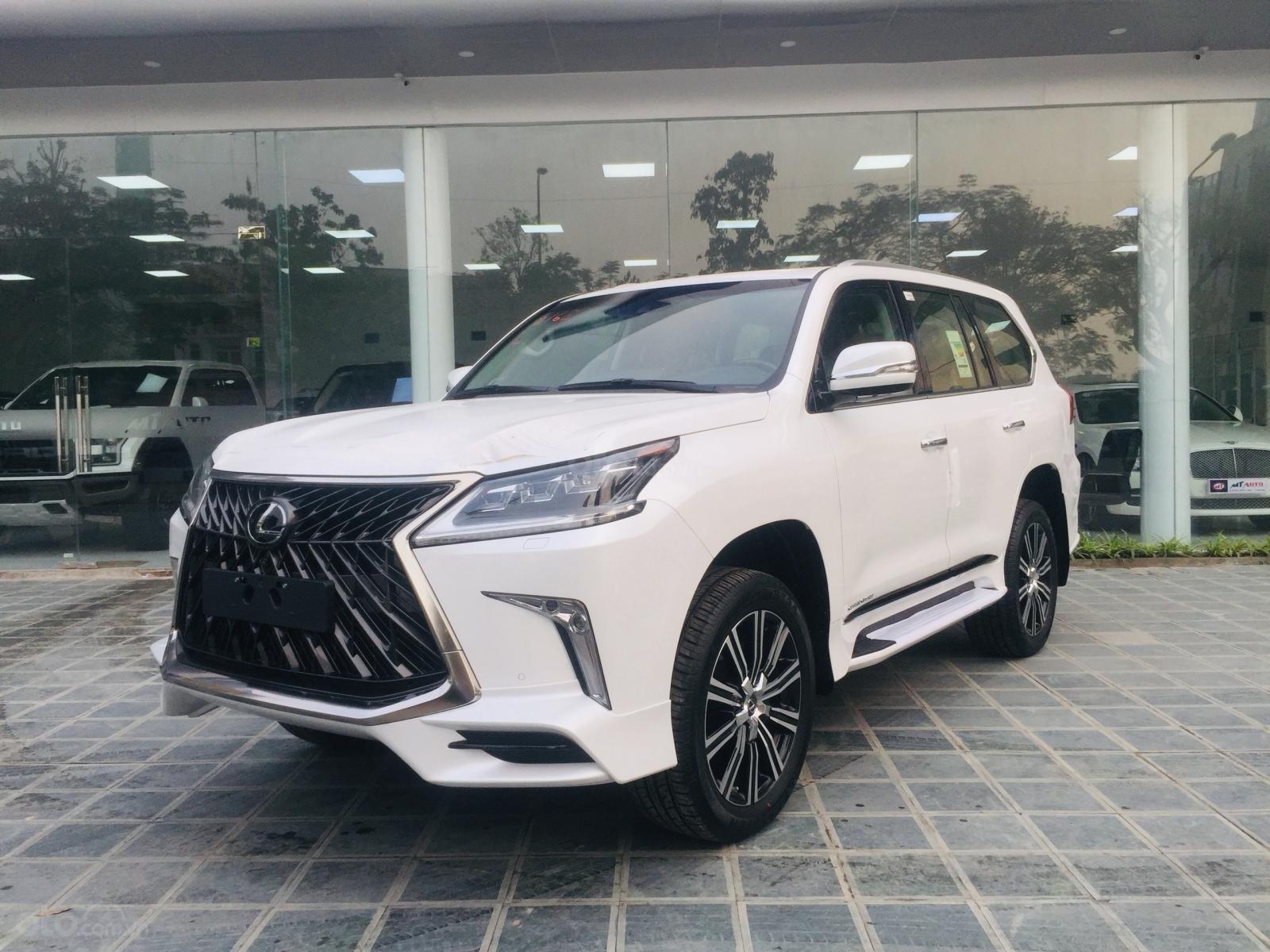Bán xe Lexus LX 570s Super Sports SX 2019, màu trắng, nhập khẩu Trung Đông (1)