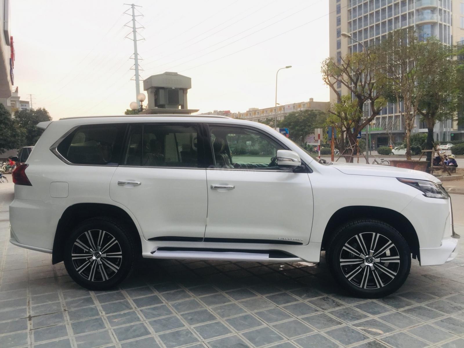 Bán xe Lexus LX 570s Super Sports SX 2019, màu trắng, nhập khẩu Trung Đông (6)