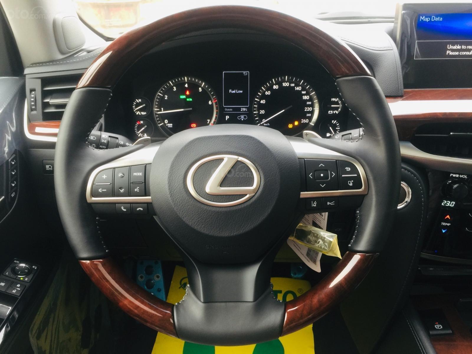 Bán xe Lexus LX 570s Super Sports SX 2019, màu trắng, nhập khẩu Trung Đông (20)