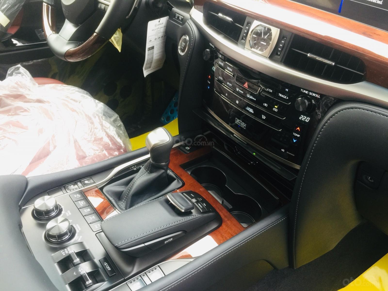 Bán xe Lexus LX 570s Super Sports SX 2019, màu trắng, nhập khẩu Trung Đông (23)