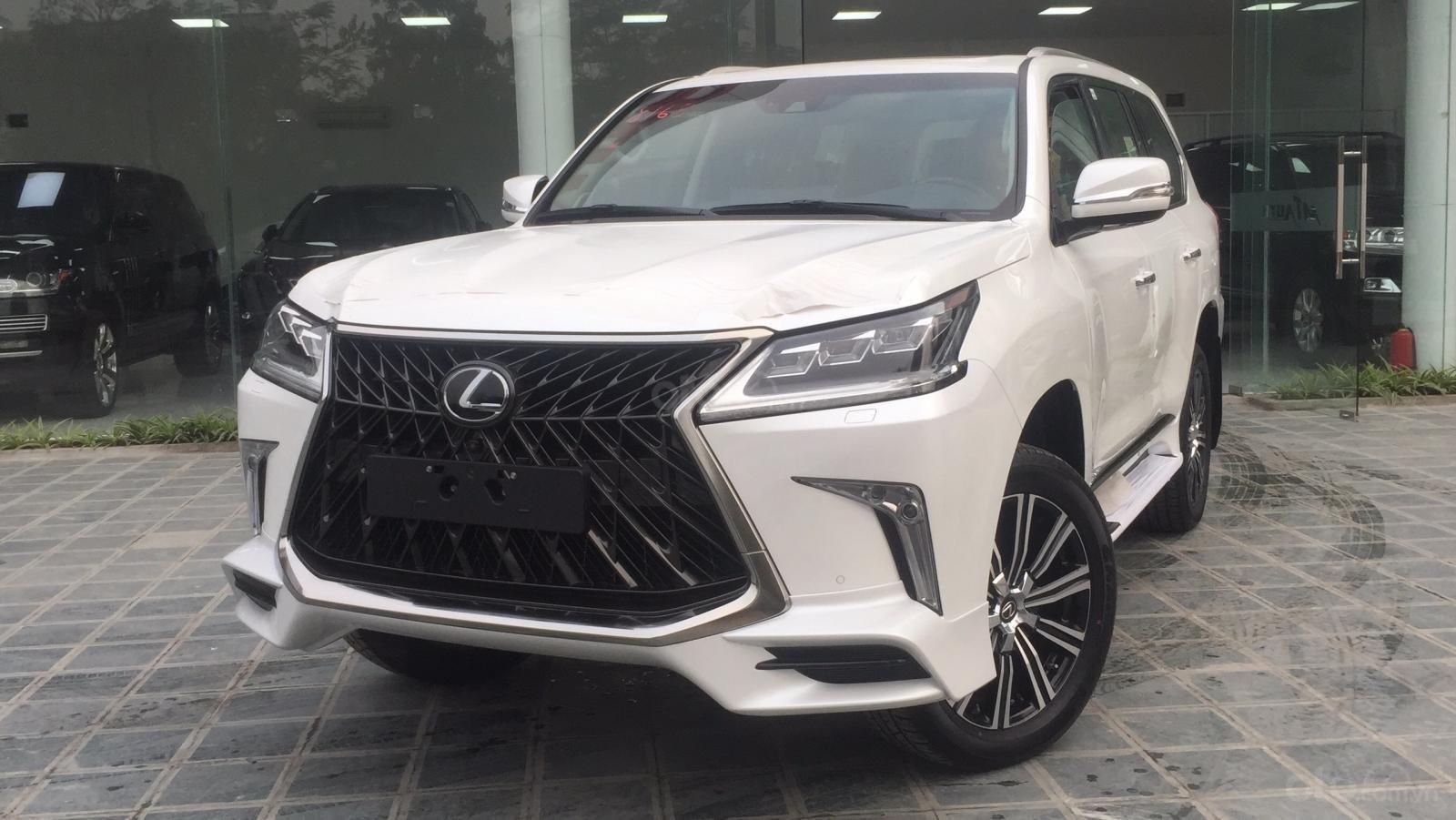 Bán xe Lexus LX 570s Super Sports SX 2019, màu trắng, nhập khẩu Trung Đông (2)