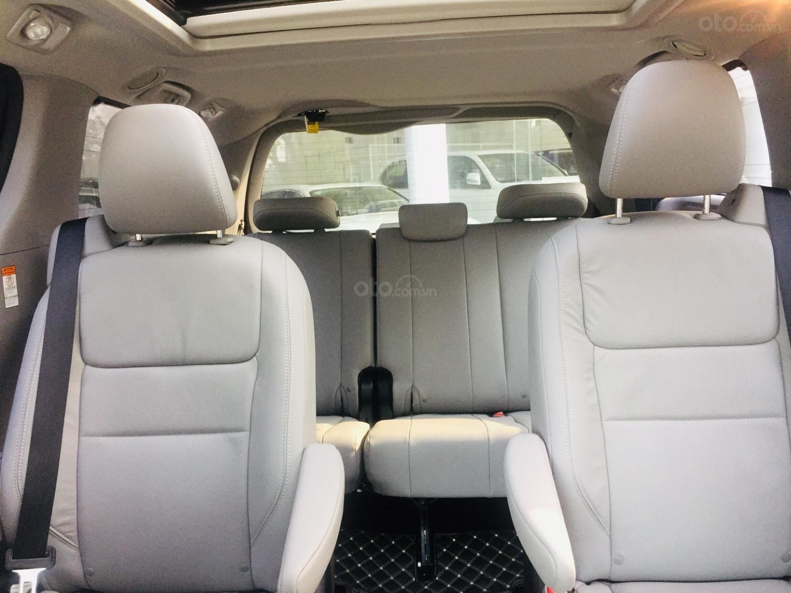 Bán xe Toyota Sienna Limidted Sx 2018, màu trắng, siêu lướt 2000km - LH: 0982.84.2838-14