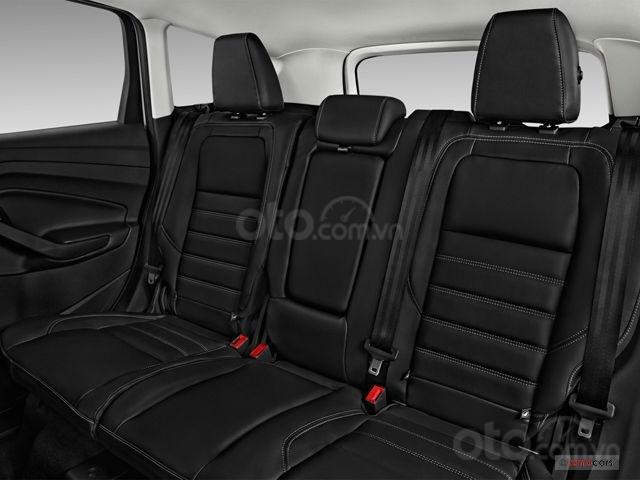 Ghế sau của Ford Escape 2019.