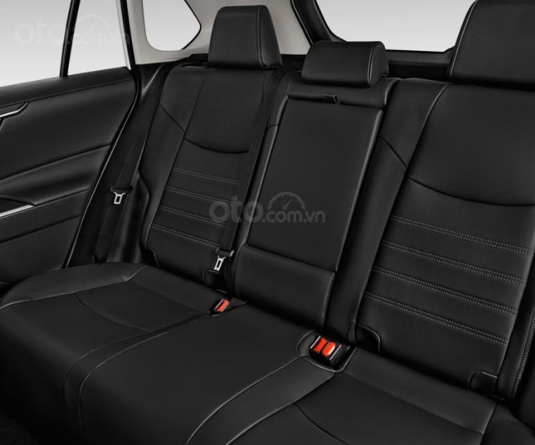 Ghế sau của Toyota RAV4 2019.