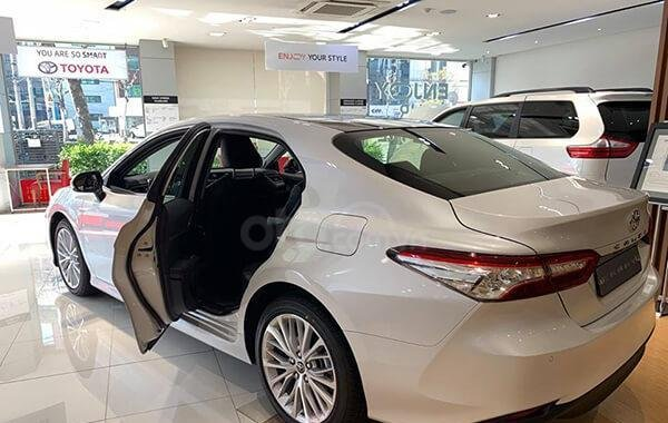 Toyota Mỹ Đình giao ngay Camry 2019 nhập Thái đủ màu giao ngay 03381.888.22, hỗ trợ trả góp lãi suất tốt-1