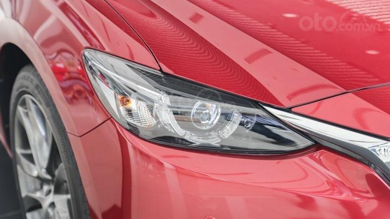 Đèn pha Mazda 6 Premium 2019...