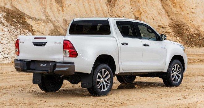 Ngoại thất xe Toyota Hilux 2019 bản đặc biệt