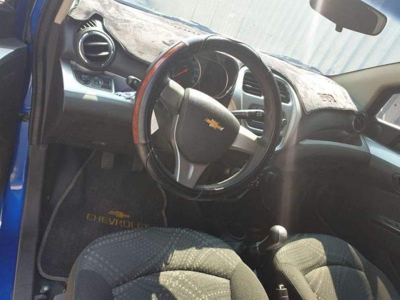 Bán xe Chevrolet Spark MT 2017, màu xanh lam như mới-5