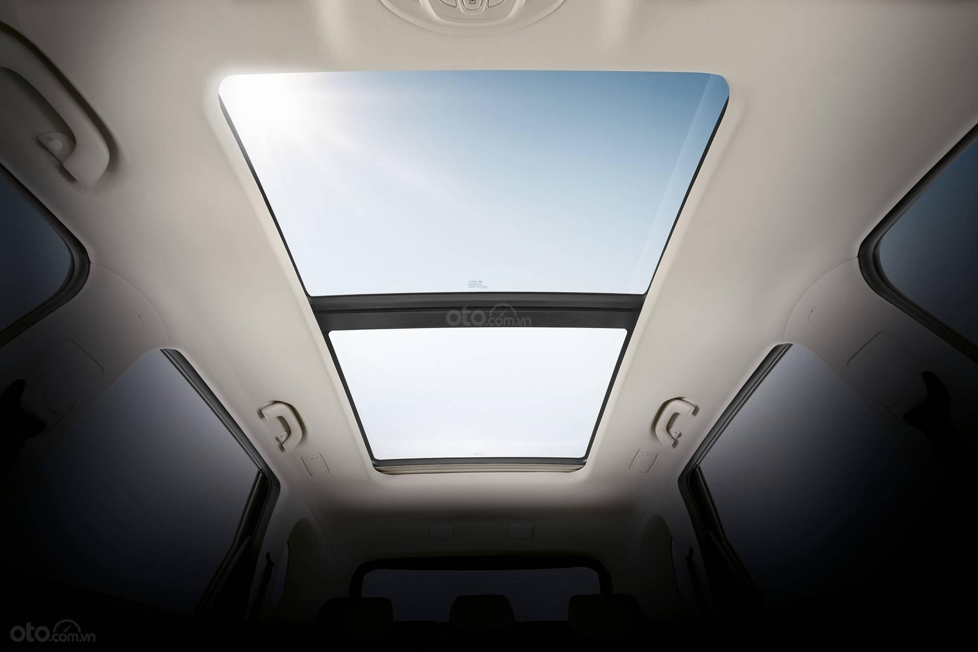 Chevrolet Captiva 2020 - cửa sổ trời