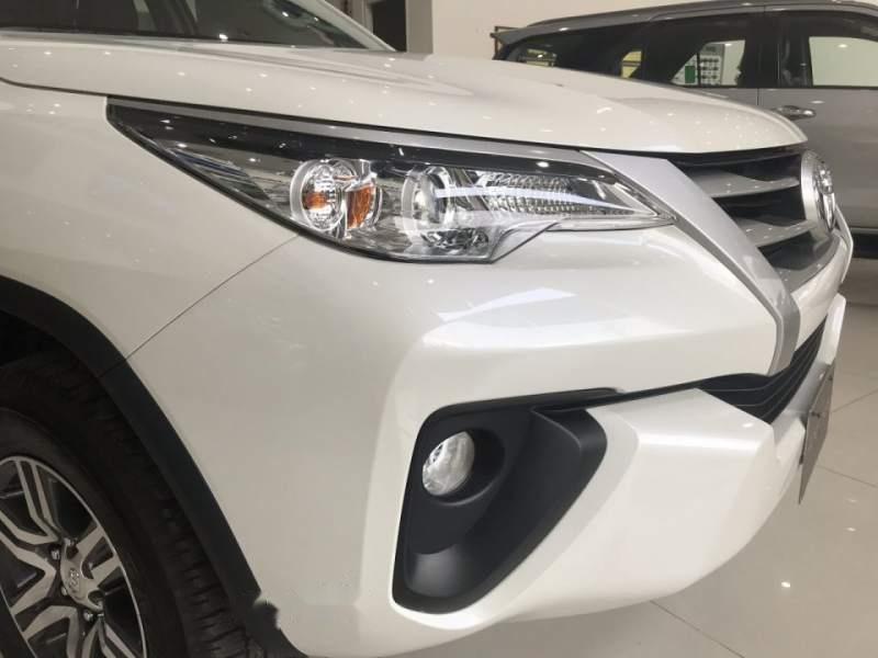 Bán Toyota Fortuner đời 2019, màu trắng, nhập khẩu-2