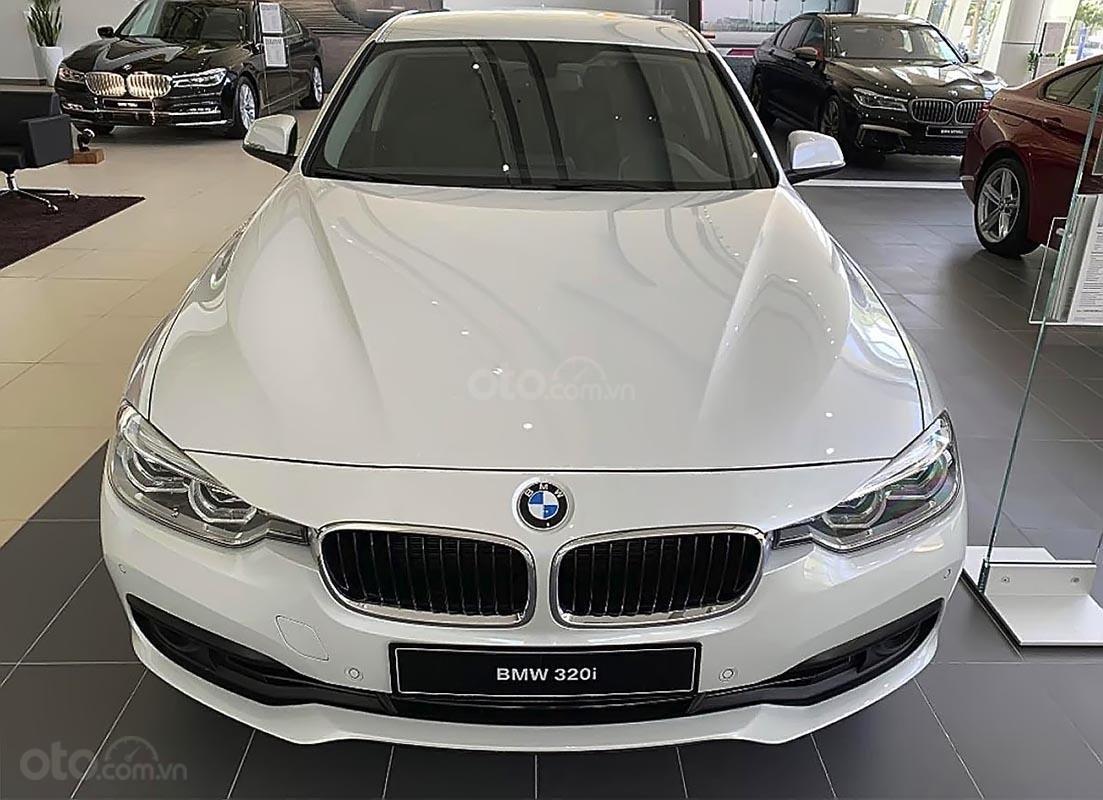 Bán BMW 320i đời 2019 sản xuất & nhập khẩu nguyên chiếc từ Đức-0