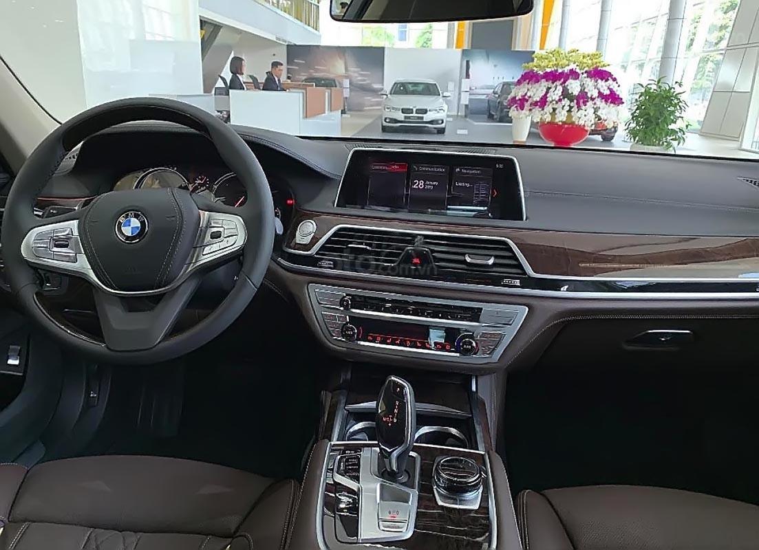 Bán BMW 750Li sản xuất năm 2019, màu trắng, nhập khẩu-3