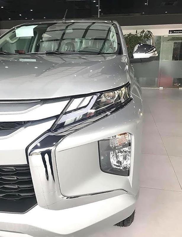 Bán Mitsubishi Triton 4x4 AT Mivec 2019, màu bạc, nhập khẩu Thái-3