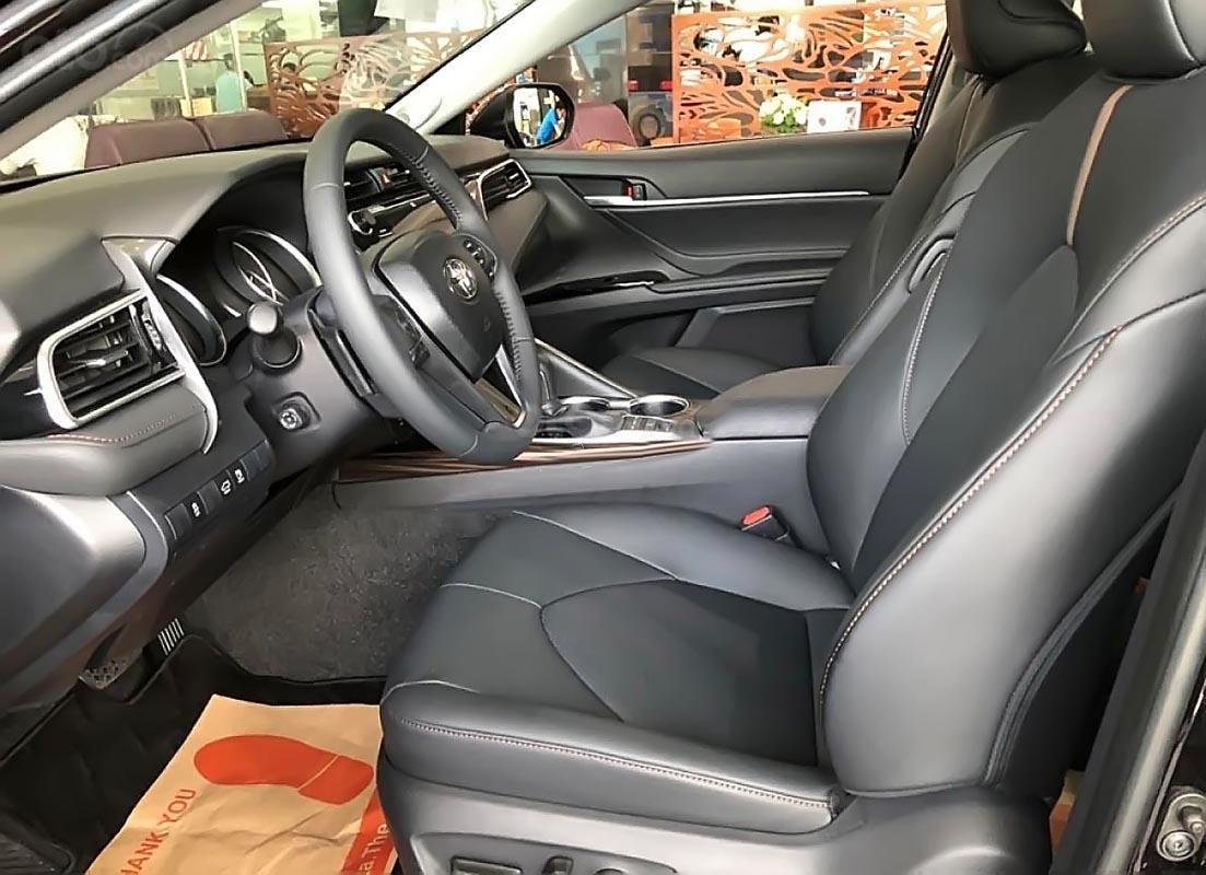 Bán Toyota Camry 2.5Q đời 2019, màu đen, nhập khẩu  -1