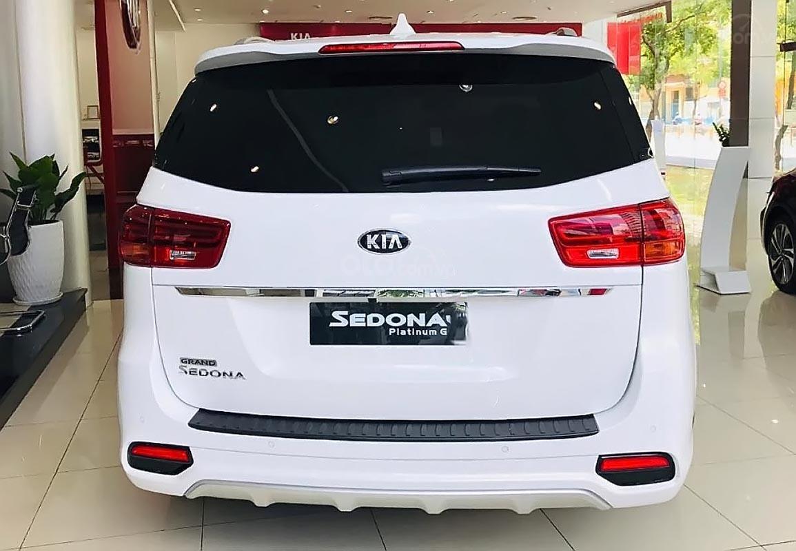 Bán ô tô Kia Sedona Platinum G 2019, màu trắng, mới 100%-1