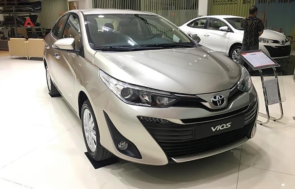 Cần bán xe Toyota Vios 1.5G AT đời 2019, màu bạc, mới 100%-0