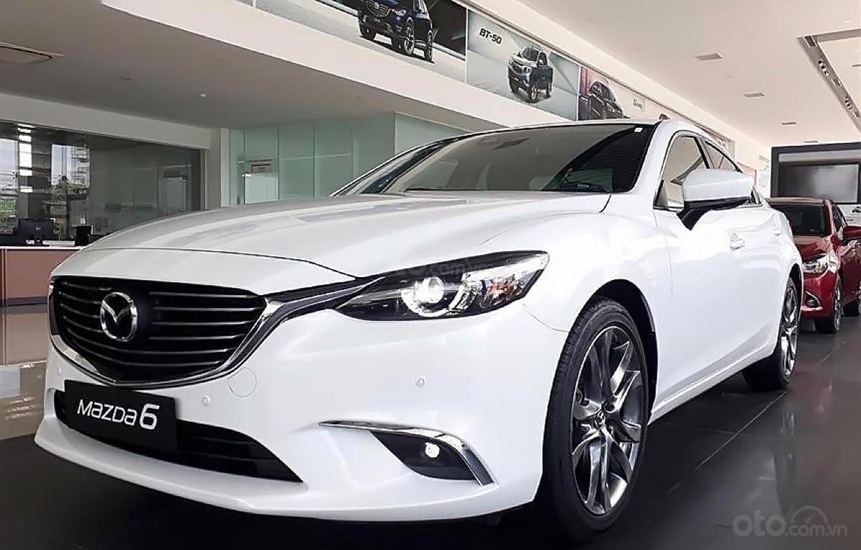 Cần bán xe Mazda 6 năm sản xuất 2019, màu trắng (1)