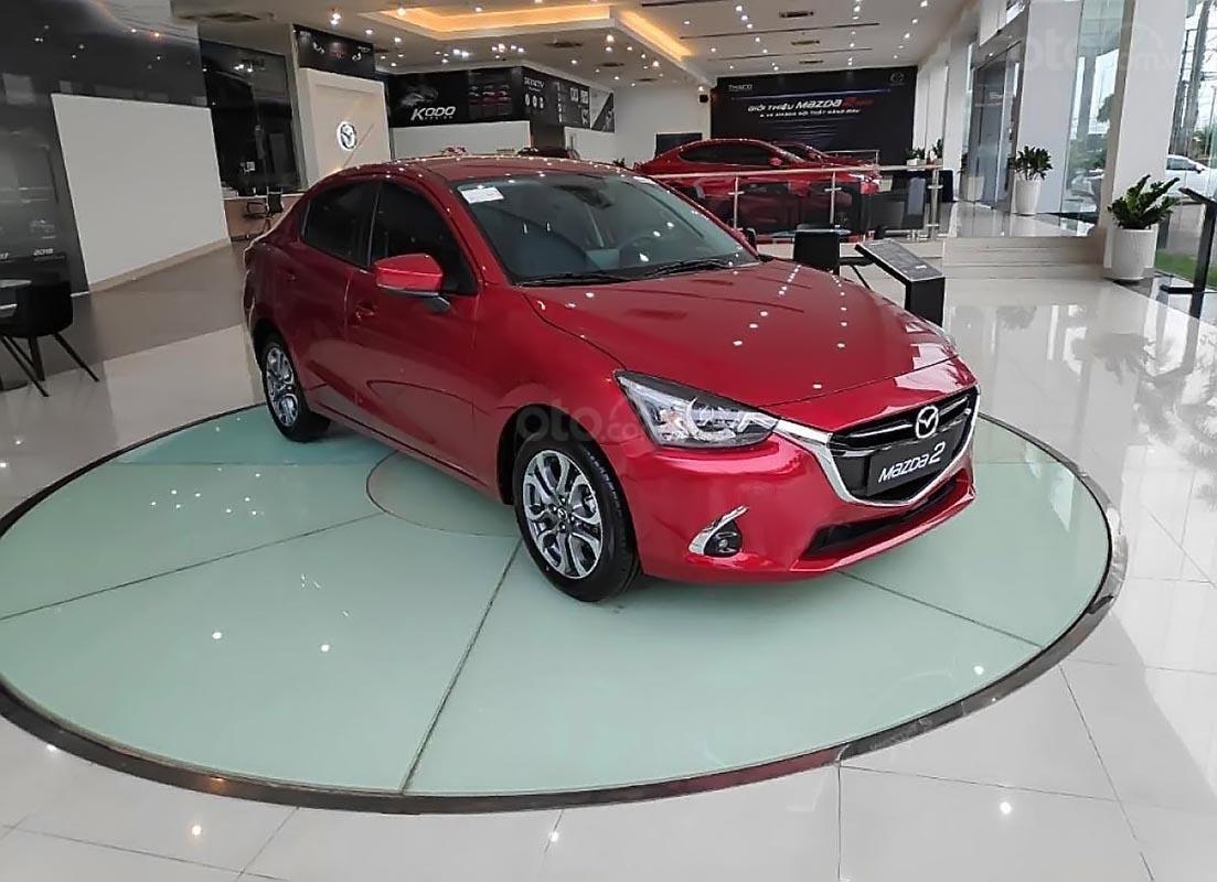 Bán xe Mazda 2 Deluxe sản xuất năm 2019, màu đỏ, nhập khẩu-0