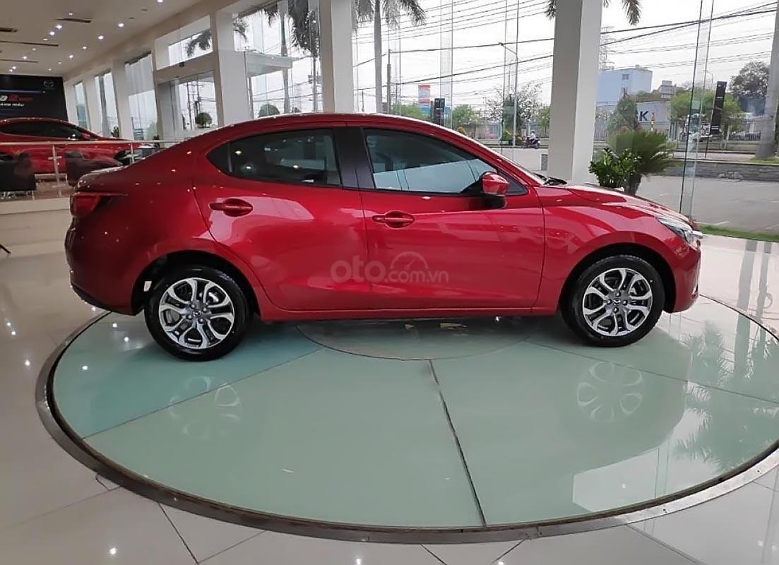 Bán xe Mazda 2 Deluxe sản xuất năm 2019, màu đỏ, nhập khẩu-1