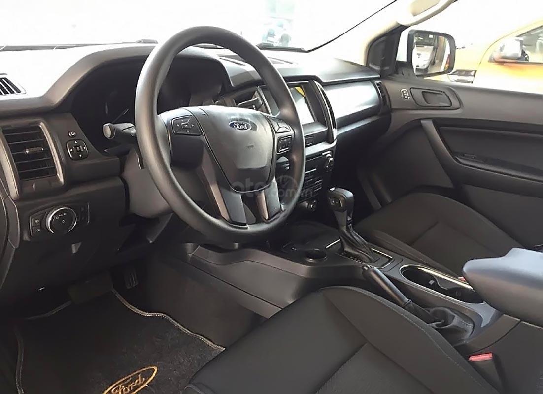 Bán xe Ford Everest Ambiente 2.0 4x2 AT đời 2019, màu trắng, nhập khẩu nguyên chiếc, giá tốt-3