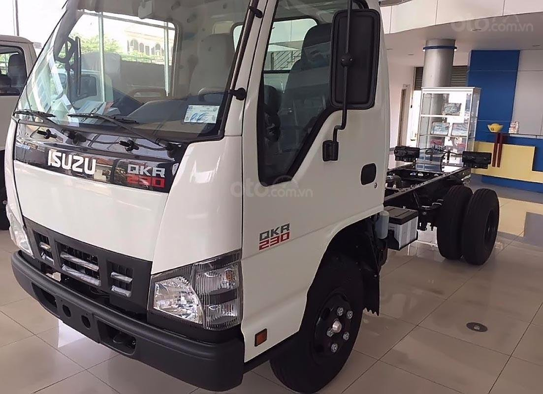 Bán ô tô Isuzu QKR 230 sản xuất năm 2019, màu trắng, mới 100%-0