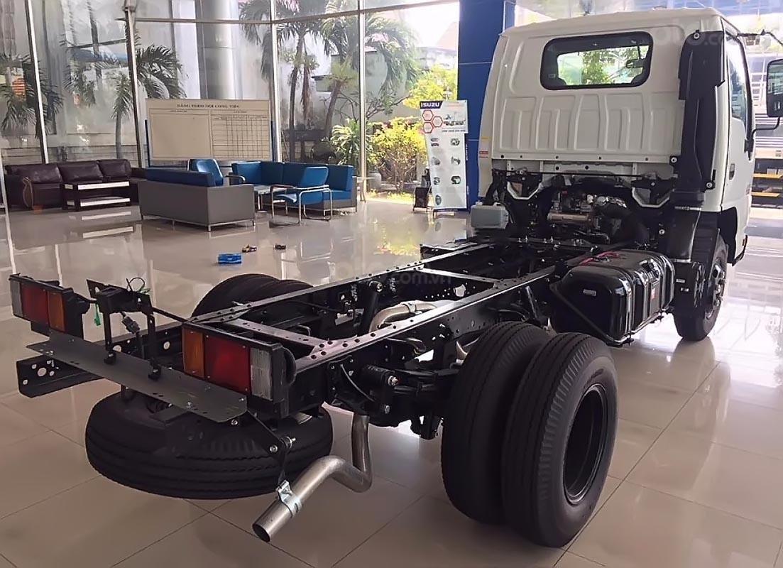 Bán ô tô Isuzu QKR 230 sản xuất năm 2019, màu trắng, mới 100%-1