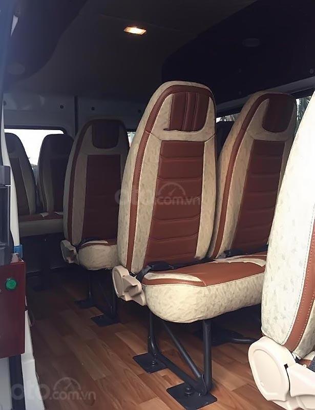 Cần bán xe Ford Transit SVP Limited sản xuất 2019, màu bạc, giá 849tr-3