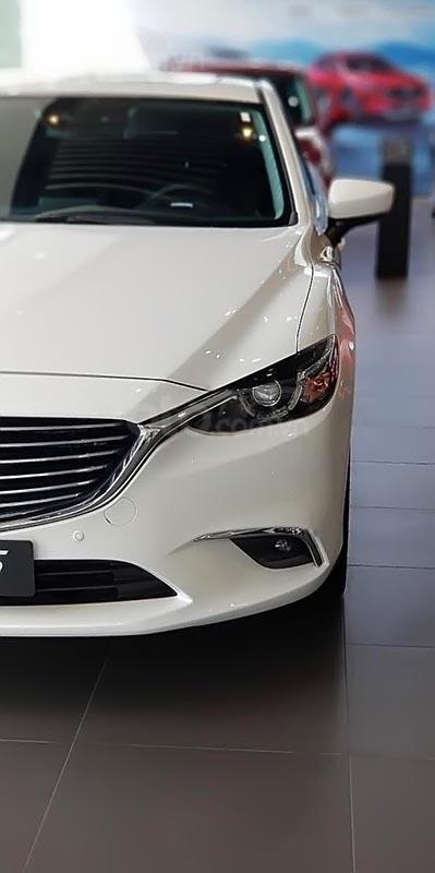 Bán Mazda 6 2.0L Premium năm 2019, màu trắng giá cạnh tranh-0