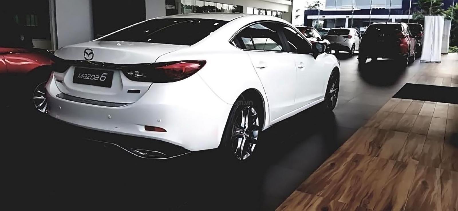 Bán Mazda 6 2.0L Premium năm 2019, màu trắng giá cạnh tranh-1