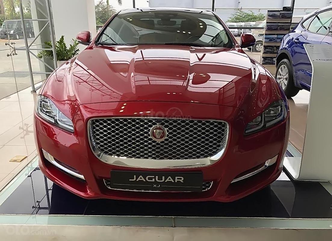 Bán ô tô Jaguar XJL 3.0 Portfolio năm 2019, màu đỏ, nhập khẩu, mới 100% (1)