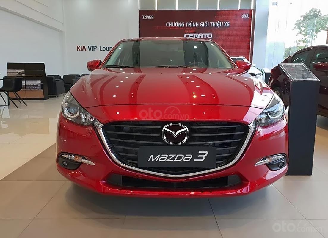 Cần bán xe Mazda 3 1.5 AT sản xuất 2019, màu đỏ, mới 100%-0