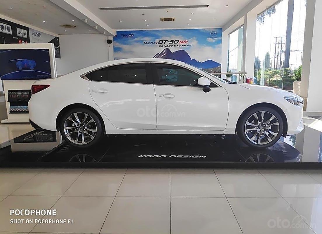 Bán xe Mazda 6 2.0L Premium sản xuất năm 2019, màu trắng (1)
