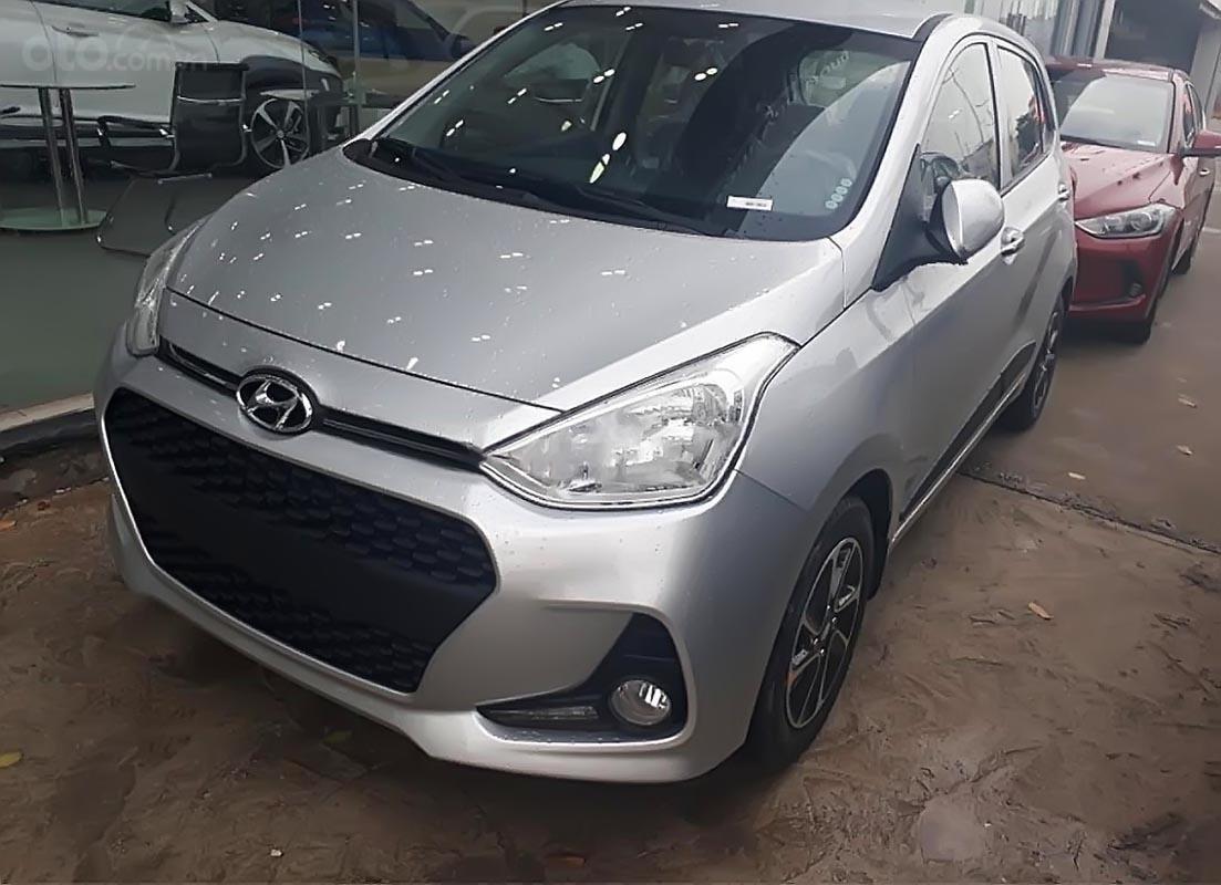 Bán xe Hyundai Grand i10 1.2 MT đời 2019, màu bạc, mới 100%-0