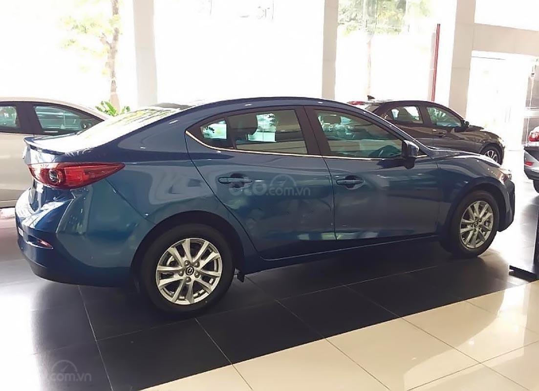 Cần bán xe Mazda 3 sản xuất năm 2019, màu xanh lam-1