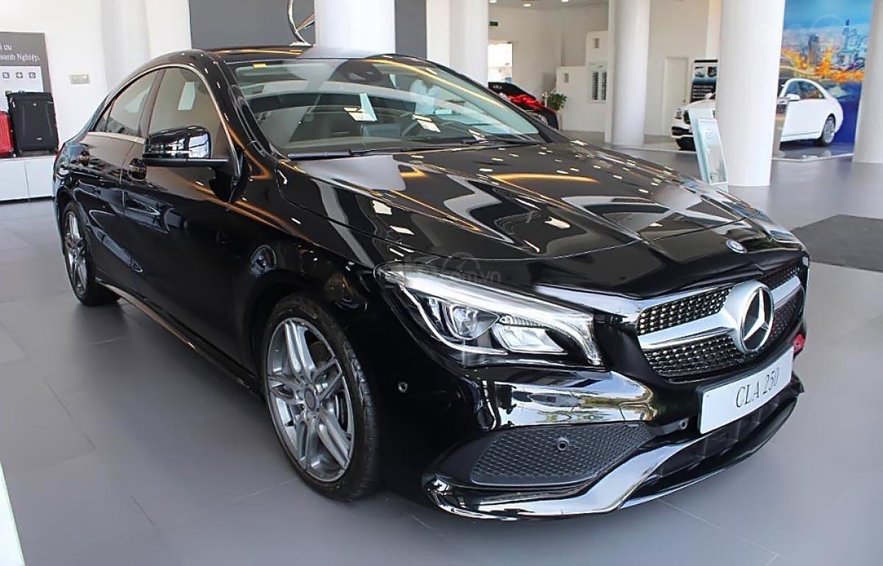 Bán xe Mercedes CLA250 màu đen, số tự động, máy xăng 2019-0