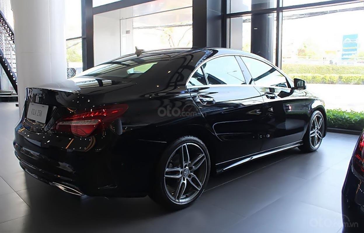 Bán xe Mercedes CLA250 màu đen, số tự động, máy xăng 2019-1