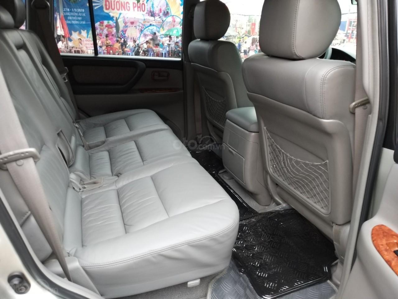 Toyota Land Cruiser GX model 2006, màu bạc, nhập khẩu còn mới toanh-8