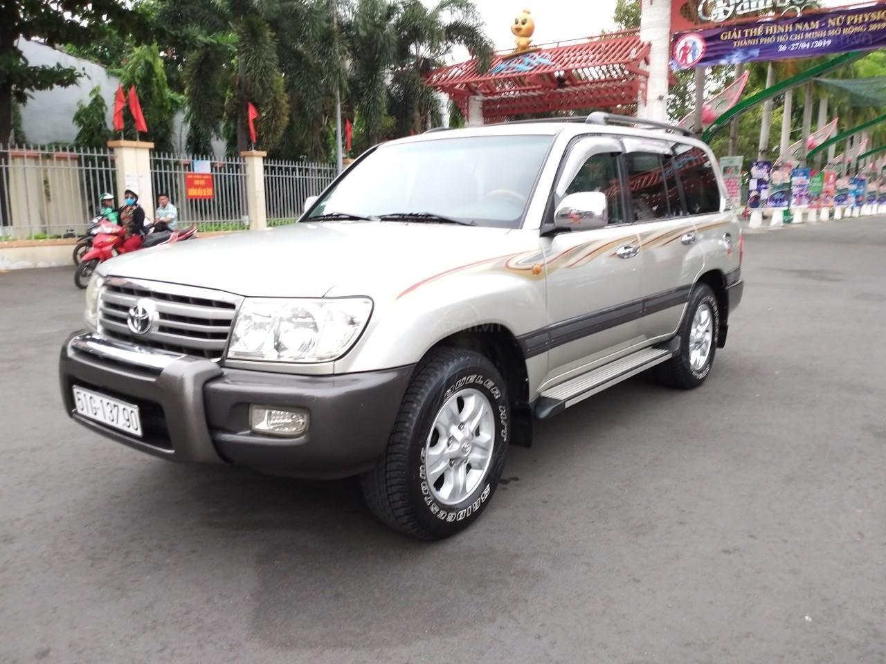 Toyota Land Cruiser GX model 2006, màu bạc, nhập khẩu còn mới toanh-3