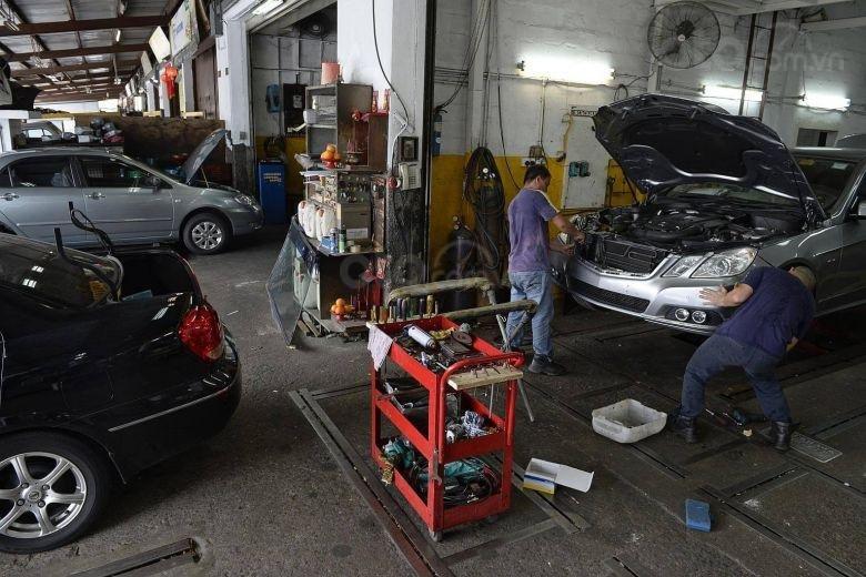 10 hiểu lầm tai hại về bảo trì ô tô - Sợ sửa, bảo dưỡng xe khác đại lý