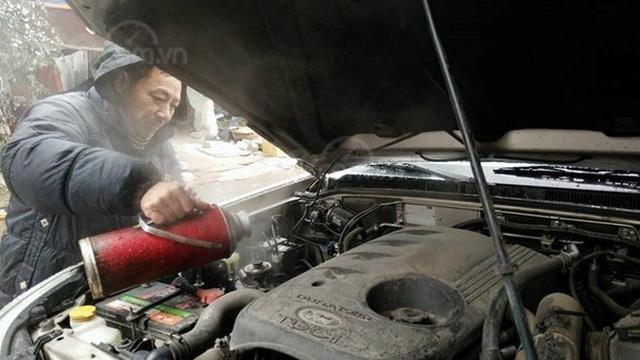 10 hiểu lầm tai hại về bảo trì ô tô - Làm nóng động cơ xe mùa lạnh