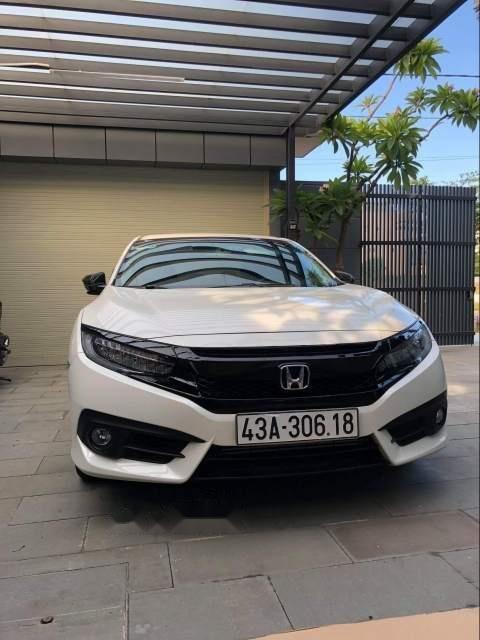 Cần bán gấp Honda Civic 2017, màu trắng, xe nhập như mới-0