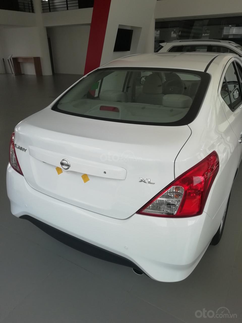 Bán Nissan Sunny XL 2019, màu trắng, giá 428tr-9