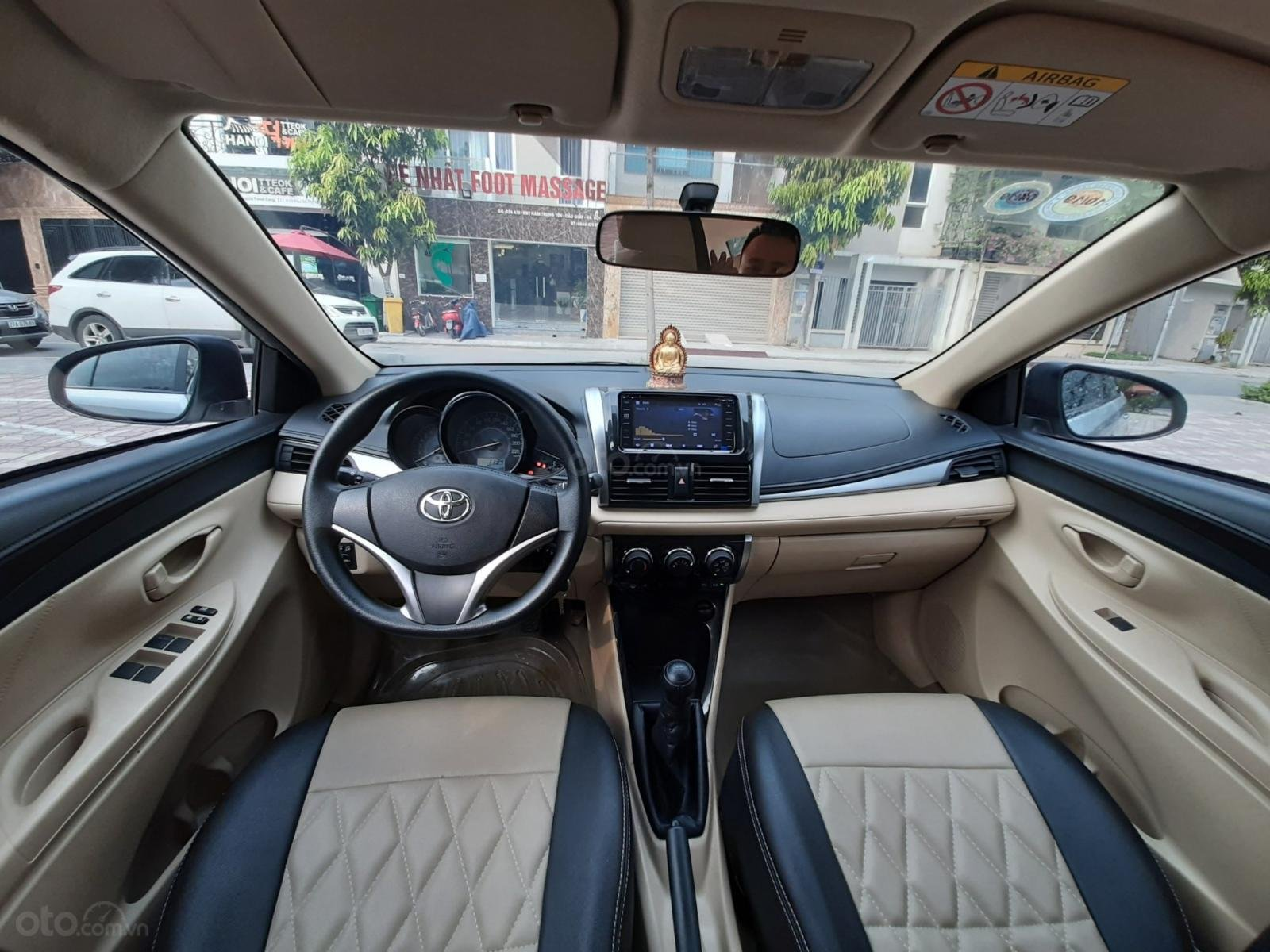Cần bán Toyota Vios E 1.5MT 2018, màu bạc, 510tr-8