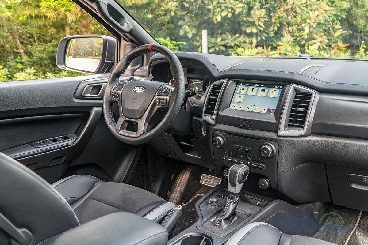 Đánh giá xe Ford Ranger Raptor 2019 về trang bị tiện nghi 2