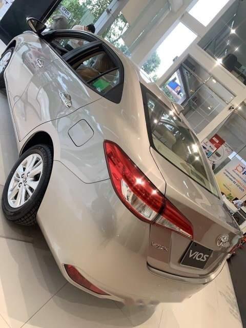 Cần bán xe Toyota Vios năm sản xuất 2019, màu vàng (3)
