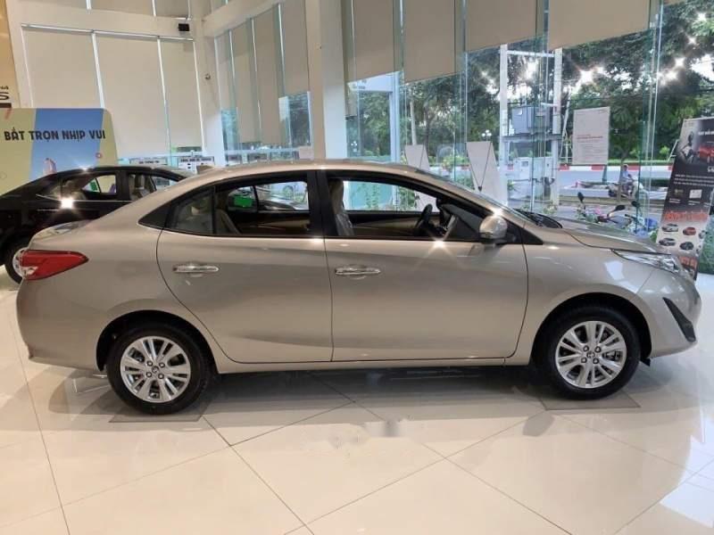 Cần bán xe Toyota Vios năm sản xuất 2019, màu vàng (4)