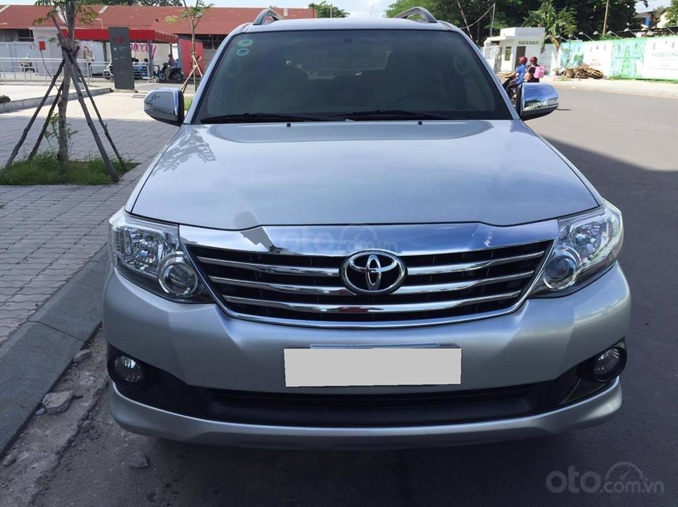 Cần bán xe Toyota Fortuner V 2013 số tự động, máy xăng-3