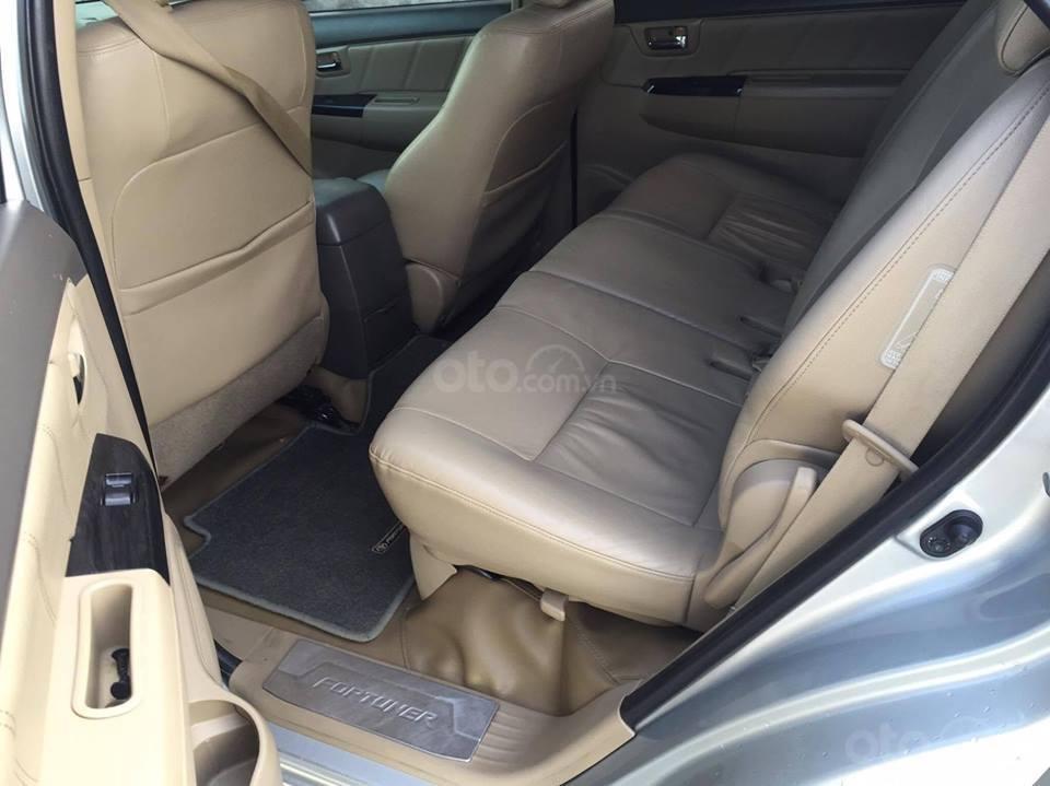 Cần bán xe Toyota Fortuner V 2013 số tự động, máy xăng-5